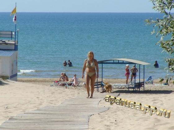 """Джемете пансионат """"Солнечный"""" деревянный настил к пляжу"""